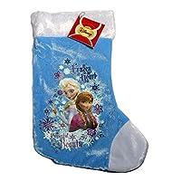 Questa calza propone il tema Disney Frozen - Il regno di ghiaccio.Misura 31 cm di altezza e 22 cm di larghezza e rappresenta i popolari personaggi di Frozen - Il regno di ghiaccio stampati su un fondo blu satinato e con un bordo in finta pel...