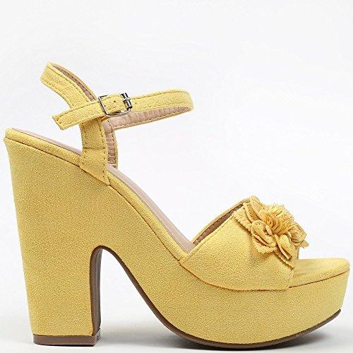 Ideal Shoes Sandales à Plateforme Effet Daim et Décorées DUne Fleur Tahys Jaune