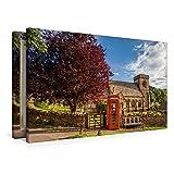 Leinwand Rote Telefonzelle auf dem Dorfplatz von Snowshill in den Cotswolds, England 90x60cm, Special-Edition Wandbild, Bild auf Keilrahmen, Fertigbild auf hochwertigem Textil, Leinwanddruck, kein Poster