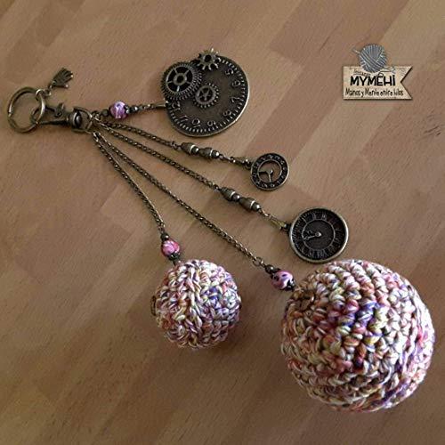 """Llavero hecho a mano de ganchillo y abalorios diseño exclusivo, pieza única. Colgante para bolso o mochila""""Las esferas del Tiempo""""."""