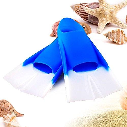 Kids Swim Flossen–Die meisten Amazing Orthopädische Fuß Taschen zu Macht Kinder sich begeistern, wenn Schwimmen | Super Bequem, mit geschlossen angkle Design, um Verletzungen | extrem leicht Put oder Take Off | Extra strapazierfähig, elastisch und sichere Verwendung Silikon Material | Schnelle Reinigung, einfach mit Wasser abspülen | Kleine Größe 33–35| Fresh Blue | 749