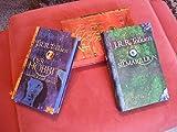Limitierter Schuber mit drei Büchern sowie Ring (Der Hobbit - Der Herr der Ringe - Das Silmarillion) - John Ronald Reuel (J.R.R. Tolkien)