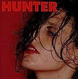 Hunter | Calvi, Anna (1980-....). Compositeur. Parolier. Musicien. Chanteur