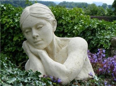 ritratto-femminile-busto-in-in-pietra-seja-by-christine-baxter-artstone