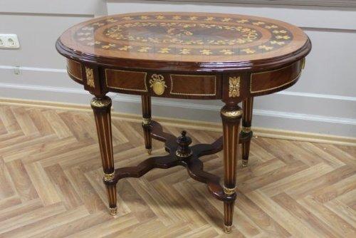 Table ronde baroque style rococo d'époque Louis XV MoTa0892