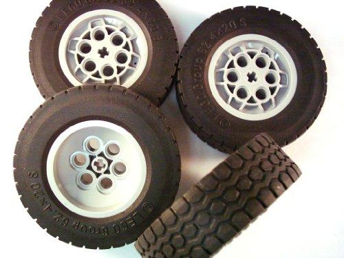 LEGO © - 4x Pneumatici per autocarri 62.4 x 20S - grigio chiaro cerchione