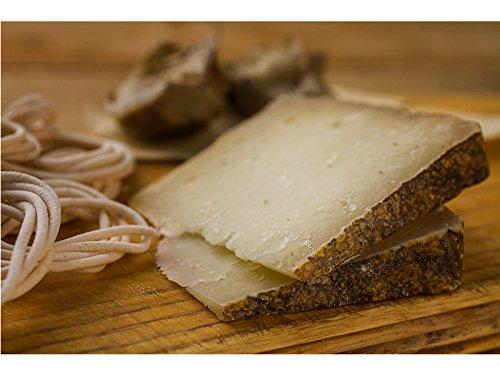4 kg - formaggio di pecora sardo a latte crudo e semistagionato prodotto dagli artigiani da su grabiolu tra fonni e siamanna. uno dei migliori formaggio pecorino sardo