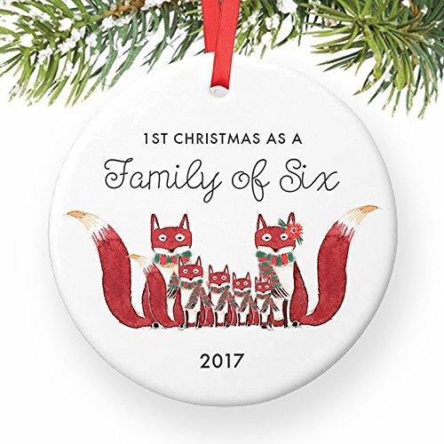 rst Christmas As A Family of 6Fox Geschenk Cute Foxes Mommy Daddy New 4. Baby Dusche rund Weihnachten Ornament Andenken Xmas Tree Dekoration Hochzeit Jahrestag Geschenkidee (Baby-dusche-hof Dekorationen)