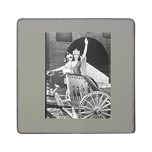 hardboard-square-fridge-magnet-with-woman-in-chariot