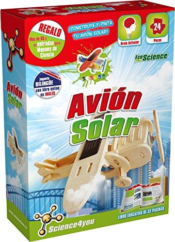 Con este juguete vas a aprender cómo un avión es capaz de volar gracias a la energía solar: una energía renovable y amiga del medio ambiente. Podrás construir tu proprio avión de madera y decorarlo a tu gusto. Viaja al futuro con este avión ecológico...