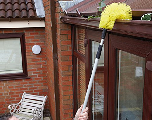 heavy-duty-extendable-gutter-clear-brush-extends-to-over-35-metres