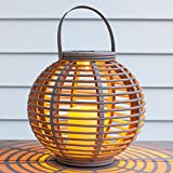 Grande Lanterne Solaire Taupe Effet Rotin avec Bougie LED pour Jardin par Lights4fun