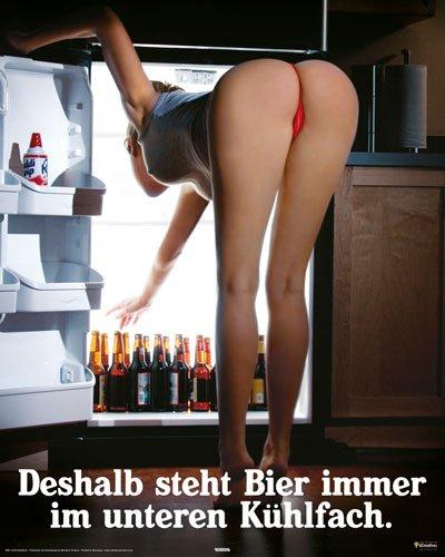 Poster Bier im unteren Kühlfach - Größe 40 x 50 cm - Miniposter