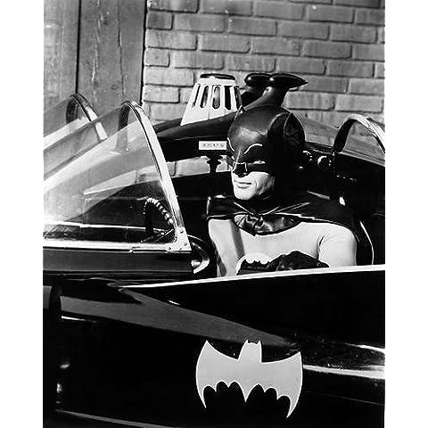 Adam West Batman 10x 8fotografía de promoción sesión en el batmóvil con logotipo en puerta culto