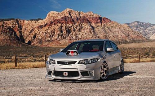 classic-y-los-msculos-de-los-coches-y-para-coches-kia-forte-2012-cyborg-coche-pster-en-10-mil-papel-