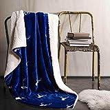 EnjoyBridal® Reine Wolle Kuscheldecke Wohndecke Sofadecke Bettüberwurf mit Cartoon Muster Hochwertig Bettdecken (140*200cm, Blau Hirsch)