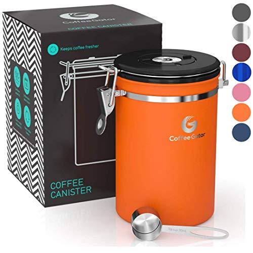 Coffee Gator-Edelstahl-Kaffeedose - Hält gemahlener Kaffee und Bohnen länger frisch - Behälter mit Datumsverfolgung, CO2-Freigabeventil und Messlöffel - Groß - Orange