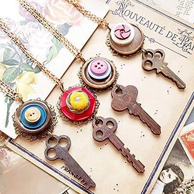 Collier clé en bois et bouton ancien - Sautoir pendentif clef - matériel recyclé recyclage zéro déchet durable récup - chaine métal doré rose 65 cm - cadeau femme maman grand mère