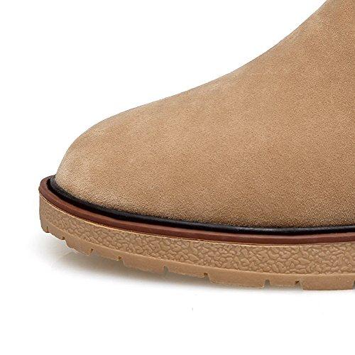AllhqFashion Damen Rein Niedriger Absatz Rund Zehe Ziehen Auf Stiefel mit Rivet Set Aprikosen Farbe