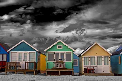 eine 45,7 x 30,5 cm Fotografieren Hochwertiger Fotodruck der Strand Hütten hengistbury Head Christchurch Bournemouth Dorset UK Foto Farbe getöntes Weiß Schwarz und Bild Print