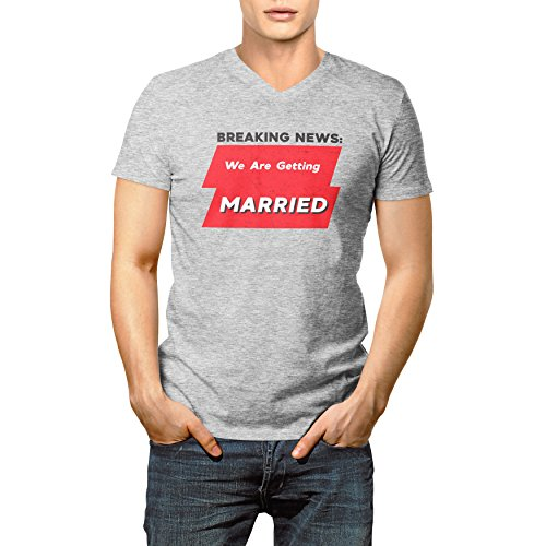 Breaking News We Are Getting Married Herren V-neck T-shirt M (Ash Grey-t-shirt York New)