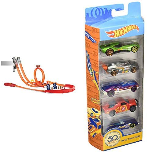 Hot Wheels Y0276 Track Builder Super Track Pack Rennbahn, Trackset mit Looping &  Wheels 01806 5er Pack 1:64 Die-Cast Fahrzeuge Geschenkset, je 5 Spielzeugautos, zufällige Auswahl