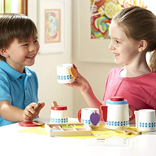 Melissa & Doug Wooden Steep & Serve Tea Set (Pretend Play, All-Wood Tea Service, Brightly coloured Tags, 30.48 cm H x 38.1 cm W x 8.89 cm L)