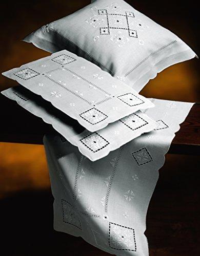 Tris medio di centri tavola ricamati a mano punto antico italiano made in italy misto lino