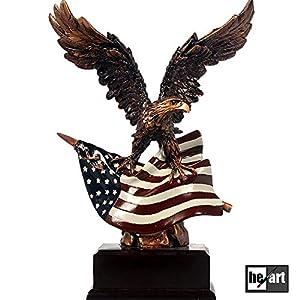 Moderne Büro Dekorationen Schreibtisch Ornament Stars and Stripes patriotische Adler Statue Bronze Handwerk USA Flagge Figur handgemachte Resin Skulptur mit Holzsockel