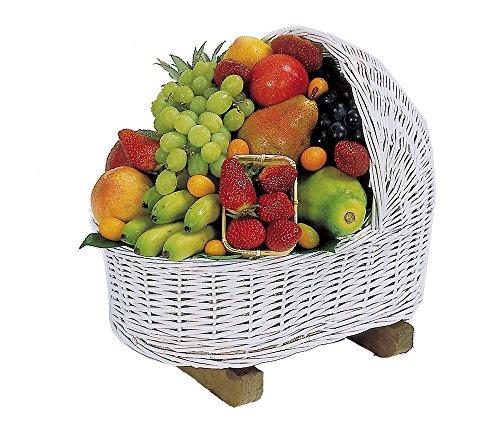 La cesta de frutas Cuco es una cesta compuesta por la siguiente variedad de frutas de tipo mediterráneo y tropical: piña baby, mango, papaya, plátanos, manzana, naranja, pera, melocotón, nectarina, ciruela, kiwi, fresa, uva, kumkuats y physalis. Adem...