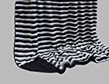 Luxus Kuscheldecke Wohndecke Tagesdecke Fellimitat aus hochwertigem Material, schwarz-weiss/schwarz, ca. 150 cm x 200 cm