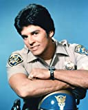 Erik Estrada de Officer Francis Llewellyn 'Ponch' Poncherello in CHiPs 25x20cm Photo couleur