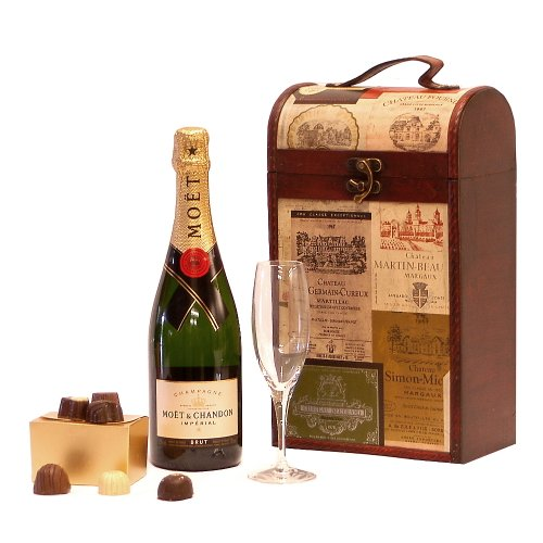 The Princeton Vintage Wine Chest GIft Hamper with 750ml Moet et Chandon Champagne, Champagne Flute & Belgian Chocolates Gift Box - Gift ideas for Christmas hampers and Birthday