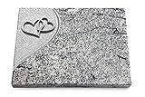 Generic Grabtafel, Grabplatte, Grabstein, Grabkissen, Urnengrabstein, Liegegrabstein Modell Folio 40 x 30 x 3-4 cm Viskont-White-Granit, Poliert inkl. Gravur (Aluminium-Ornament Herzen)