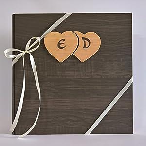 MADE INITALY Fotoalbum Liebe Holz-Effekt Papier + Herzen aus Holz und individuell gestaltbaren Home