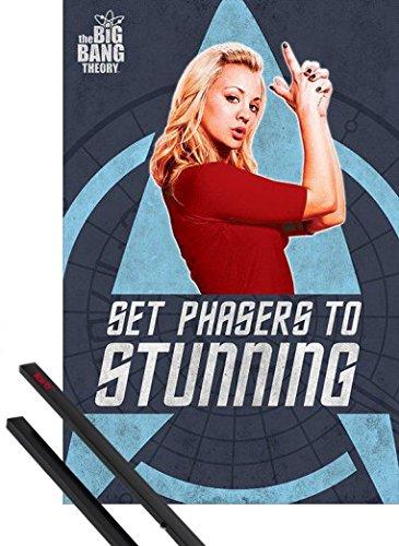 1art1® Poster + Suspension : The Big Bang Theory Poster (91x61 cm) Penny, Réglez Les Phasers sur Ravissant Et Kit De Fixation Noir
