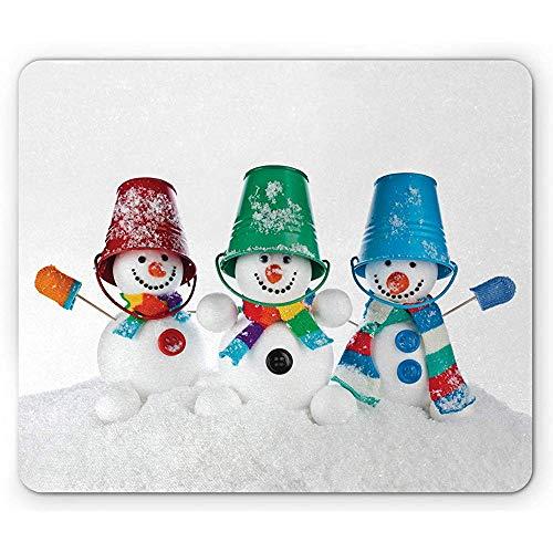 Schneemann-Mausunterlage, Druck von 3 glücklichen Schnee-Elementen in gestreiften Schal-Handschuhen und Eimern auf Kopf, 25 x 30 cm rutschfestes Gummimousepad -