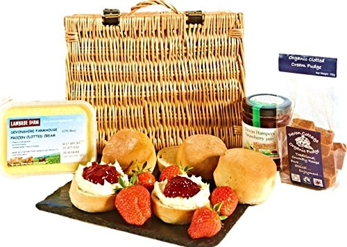 Cream Tea Hamper with Fudge