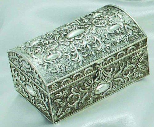 Antique argent Chest Box With Floral Design