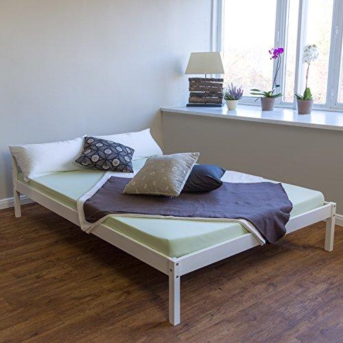 Homestyle4u 639 Stralsund Holzbett Doppelbett aus Kiefer B x L: 140 cm x 200 cm Bettrahmen mit Lattenrost in Weiß mit natürlicher Maserung Holz Bett aus Massivholz Futonbett mit Bettgestell und Kopfteil
