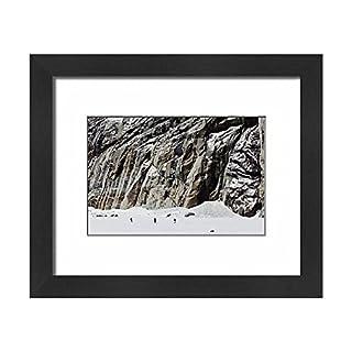 Robert Harding Framed 10x8 Print of Vallee Blanche off piste ski tour, Chamonix, Rhone Alpes, Haute Savoie (13324778)