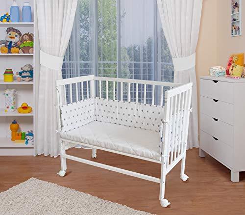 WALDIN Baby Beistellbett mit Matratze und Nestchen, höhen-verstellbar, 16 Modelle wählbar, Buche Massiv-Holz weiß lackiert,Sterne/grau