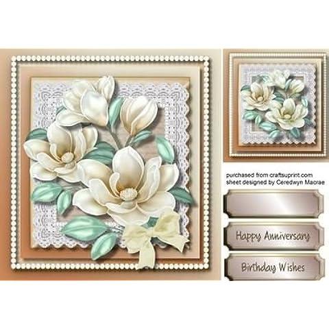 Diseño de encaje crema hermosa Magnolias con perlas, Por Macrae Ceredwyn