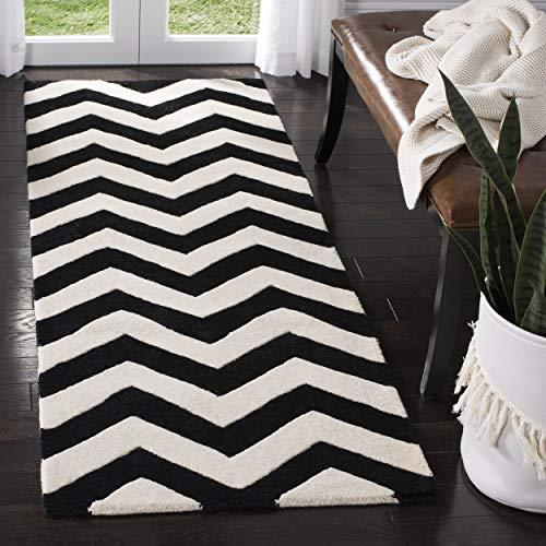 Safavieh Chevron-Streifen Teppich, CHT715, Handgetufteter Wolle Läufer, Elfenbein/Schwarz, 62 x 240 cm (Chevron Läufer Teppich Schwarz)