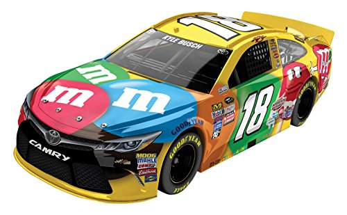 lionel-racing-kyle-busch-18-mms-2016-toyota-camry-nascar-diecast-car-124-scale