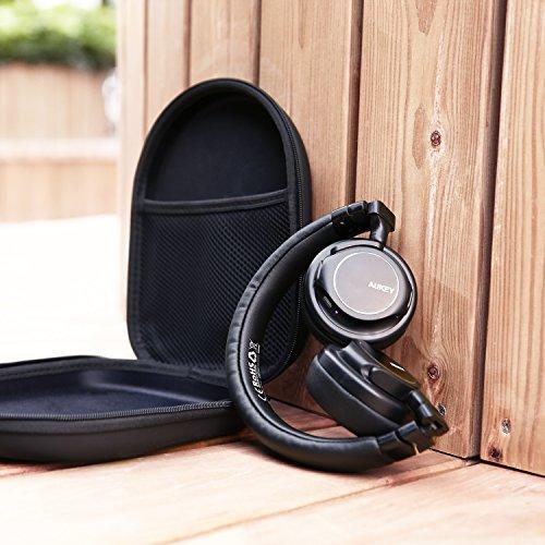 AUKEY Bluetooth Kopfhörer Kabellos on Ear, Dual 40mm Treiber mit Sattem Bass, 18 Stunden Spielzeit, Mikrofon und 3,5-mm-Audioeingang, Transportetui, Ermüdungsfreies Tragen - 6