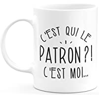 quotedazur Mug C'est Qui Le Patron - Cadeau Collègue Retraite - Idée Cadeau Original, Humour Femme - Tasse Couple Saint…