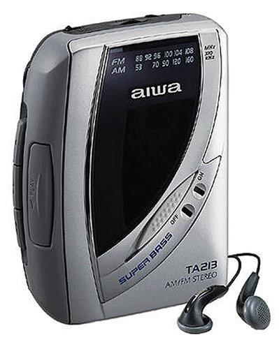 Aiwa HS-TA213 tragbarer Kassettenspieler mit Radio Silber Aiwa Stereo Radio