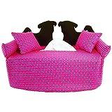 2 schwarze Möpse auf pinken Sofa