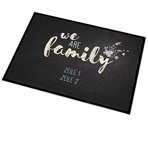 GeschenkIdeen.Haus - Personalisierte Fußmatte - We are family - mit Namen